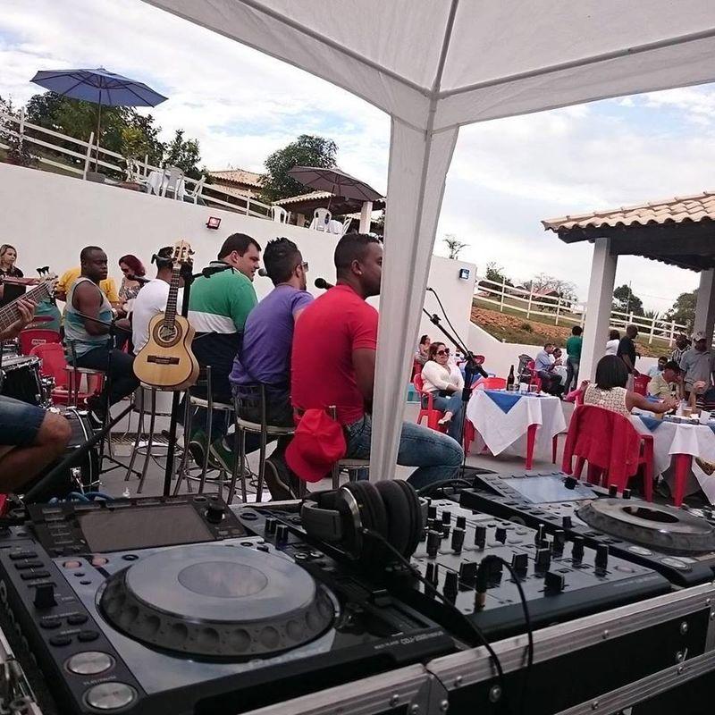 DJ Alessandro Andrade