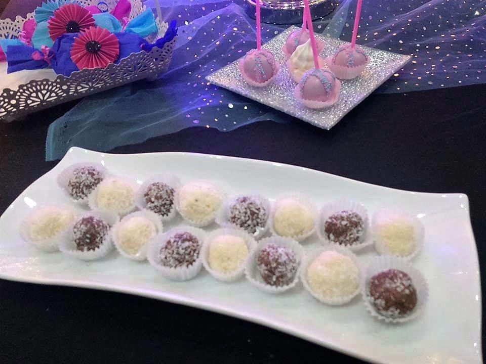 Cupcakes & lollipops