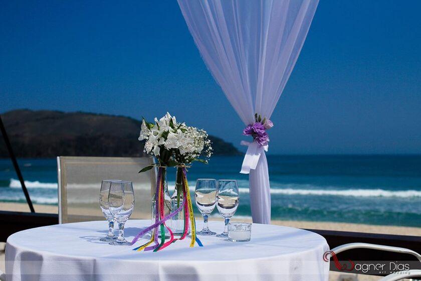 Denis Casamento na Praia ( Espaço e Buffet )