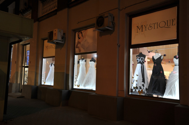 Salon Mystique