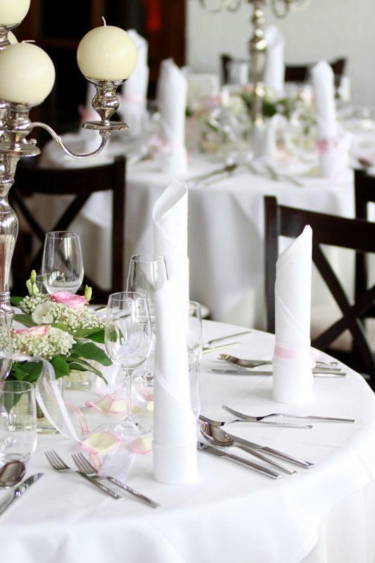 Beispiel: Dekoration, Foto: Bellas Hochzeitsservice.