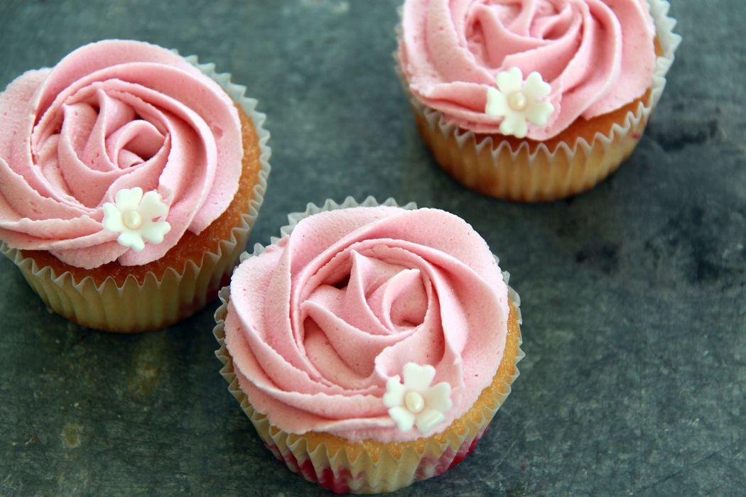 Cupcakes mit Rose Swirl Sugar-Sweet