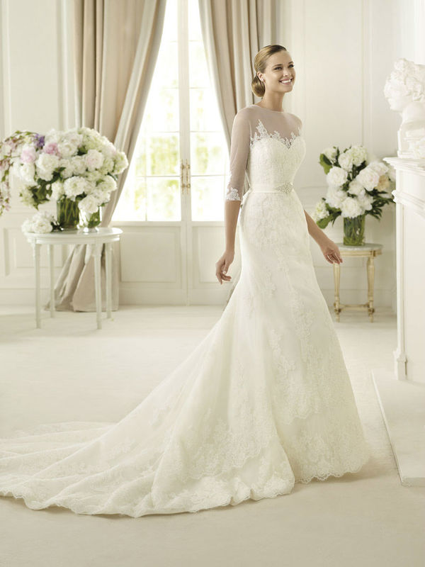 Beispiel: Kompetente Beratung beim Brautkleidkauf, Foto: Petra Pabst.