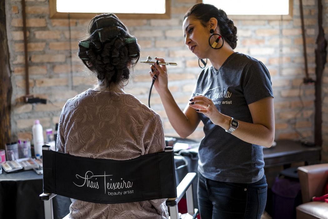 Thaís Teixeira Beauty Artist
