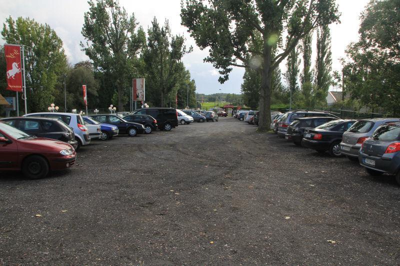 Restaurant La Licorne Nos parkings.