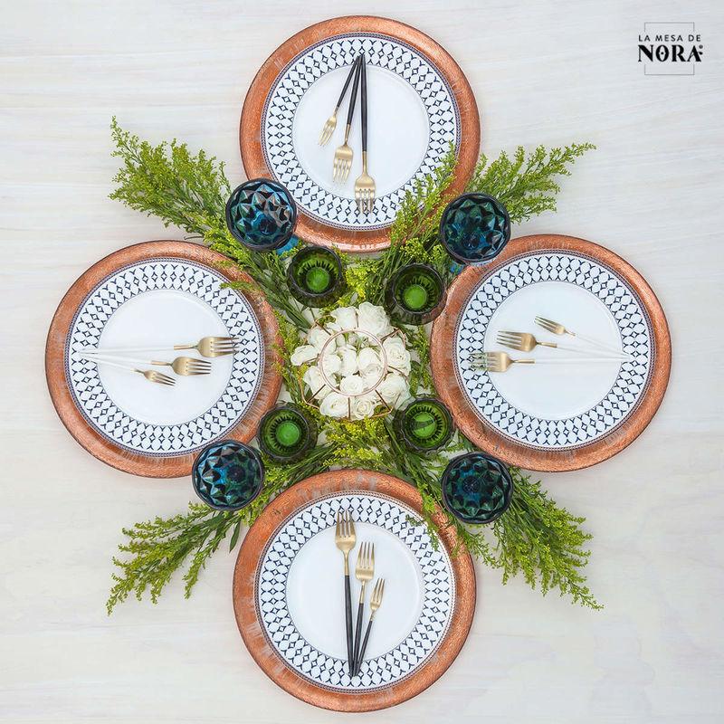 La Mesa De Nora