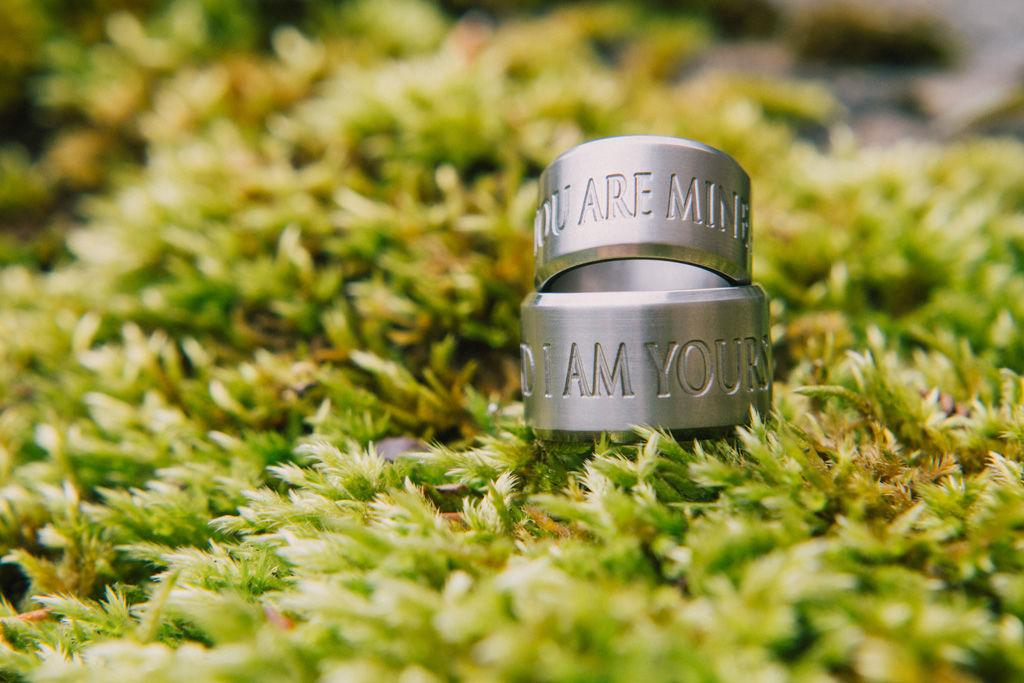 Beispiel: Beratung beim Ringkauf Foto: wedding AGENCY