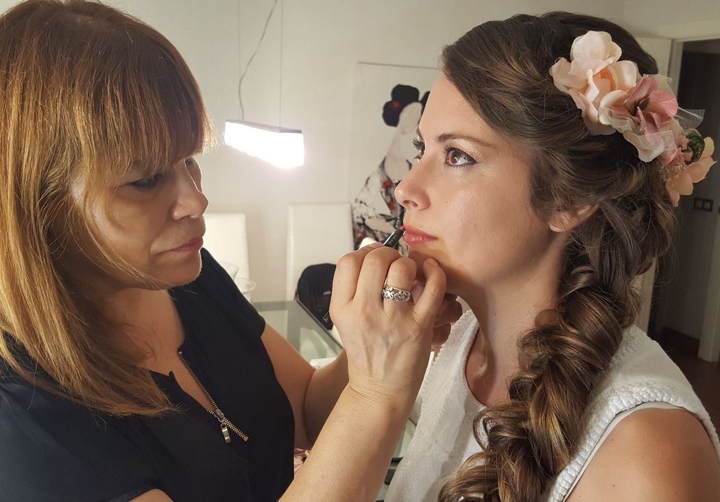 Lucia's Make Up - On line