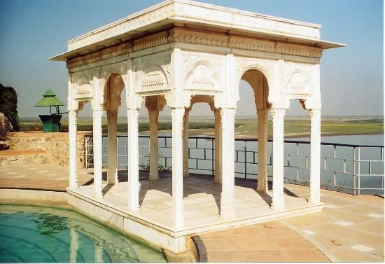 Sardar Samand Lake Palace