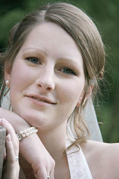 Beispiel: Hochzeitsfrisur mit Schleier, Foto: Sylvia Mobil.