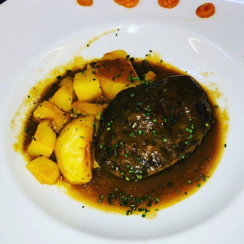 Fábula Restaurante Buey & Champagne
