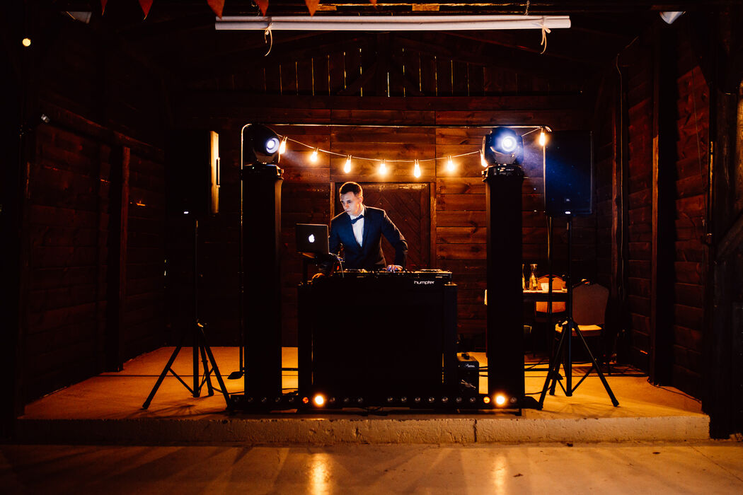 Światło + Dźwięk   DJ na Wesele