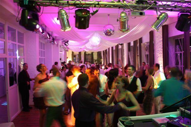 Beispiel: Hochzeitsgesellschaft, Foto: Alte Pulverfabrik.