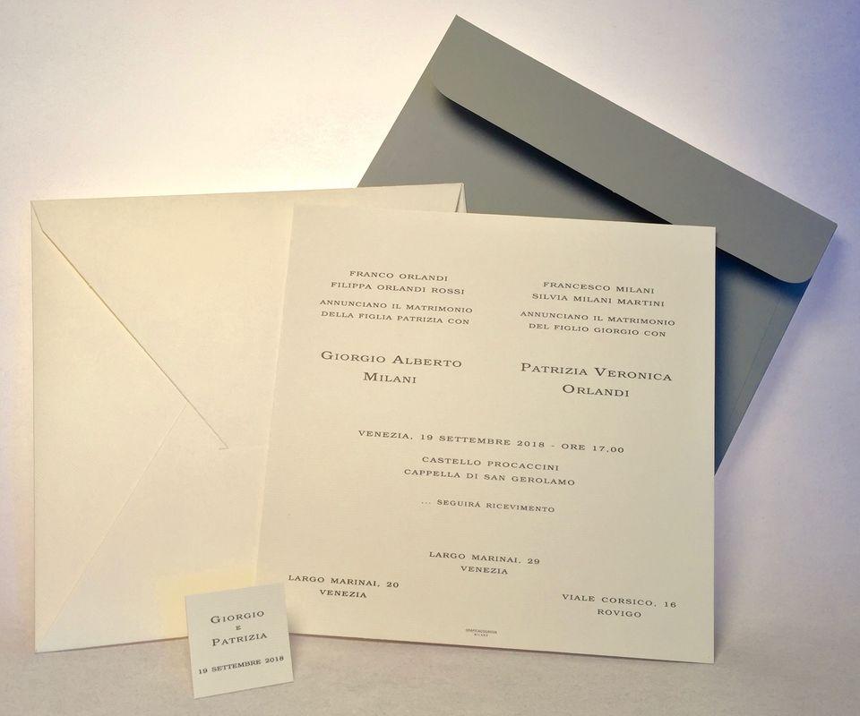 partecipazione Quadra il formato importante e lo spessore della carta di 600gr la rendono ideale per cerimonie prestigiose