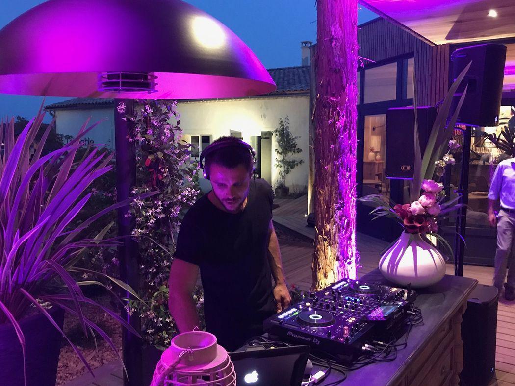 DJ ERIK D