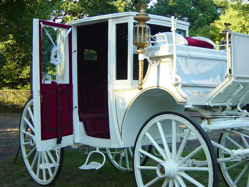 Beispiel: Die Hochzeitskutsche lädt ein, Foto: Berliner Hochzeitskutschen.
