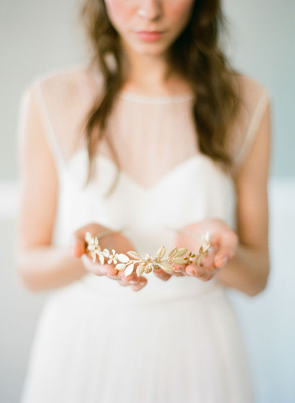 Couronne de mariée Garance feuillage doré/laiton