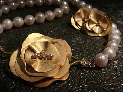 Colección Boheme en plata de ley bañada en oro, perlas y circonita