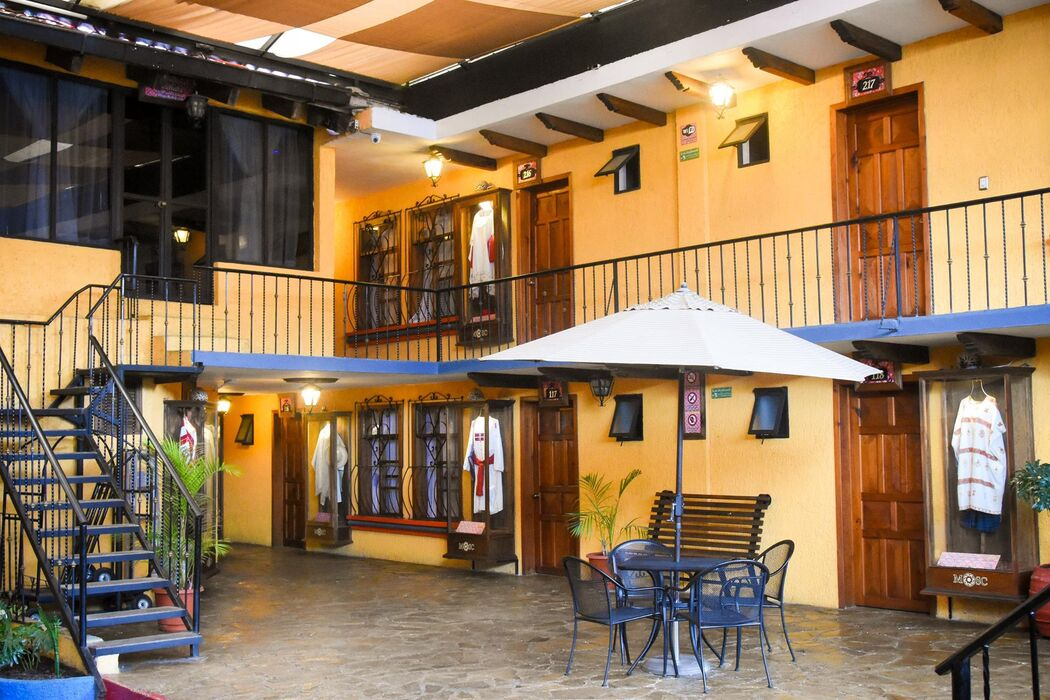 Hotel Misión Colonial San Cristóbal