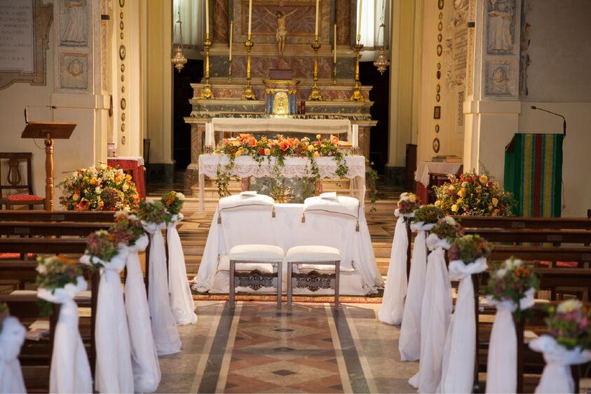 Cerimonia autunnale in chiesa