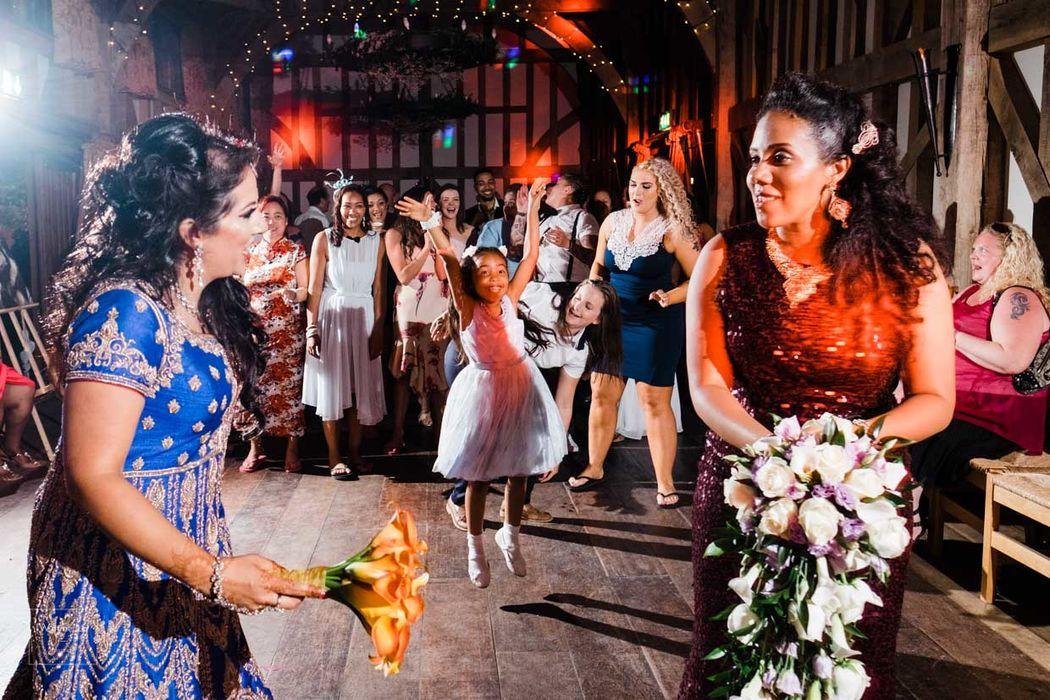 Documentary Wedding Photography - Wayne La Photography