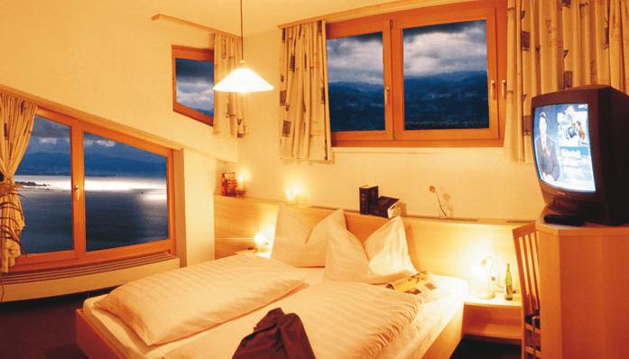 Beispiel: Suite mit Seeblick, Foto: Hotel Schönblick.