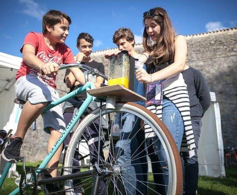 """La Smoocyclette """"Pédalez, c'est mixé !"""""""