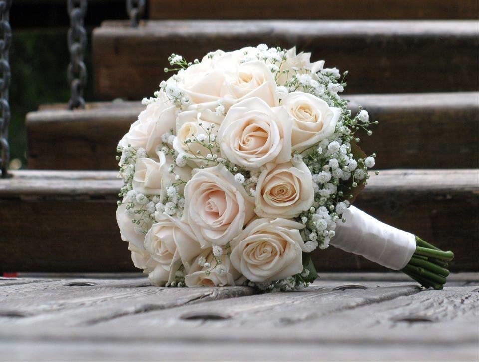Bouquet de Noiva Rosas Nude e Gypsophila