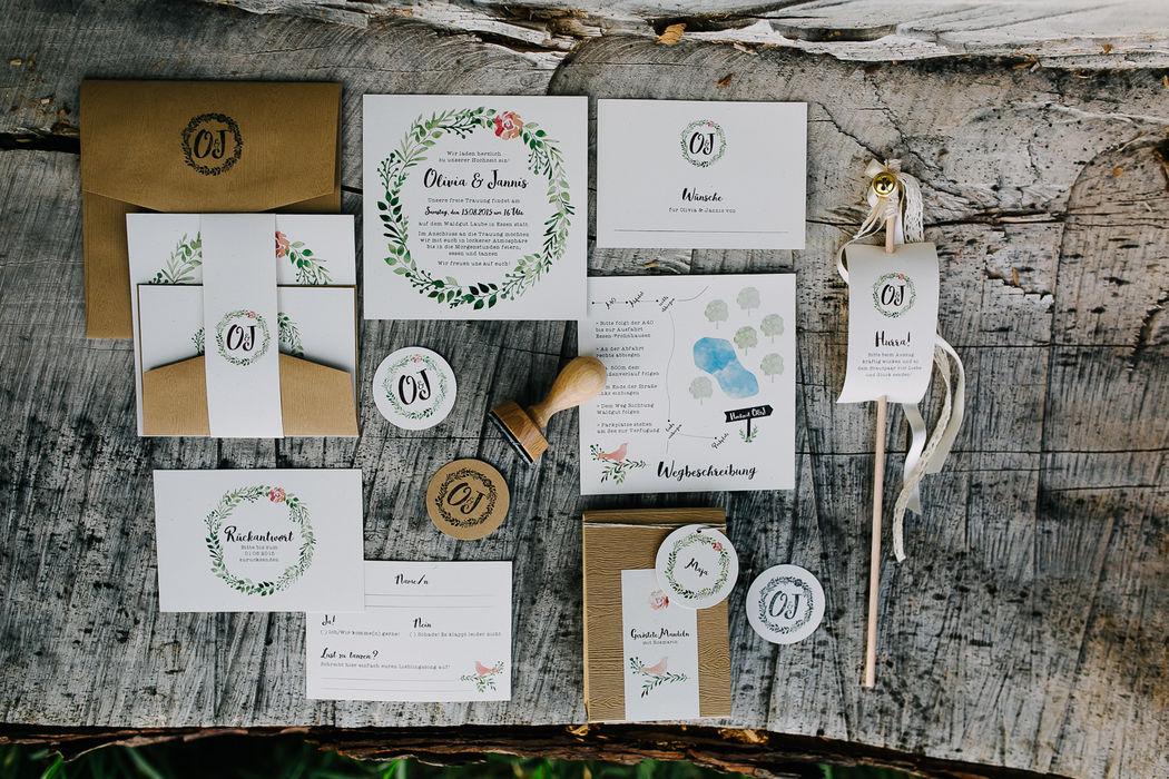 Papeterie für eine Midsummer-Boho-Hochzeit