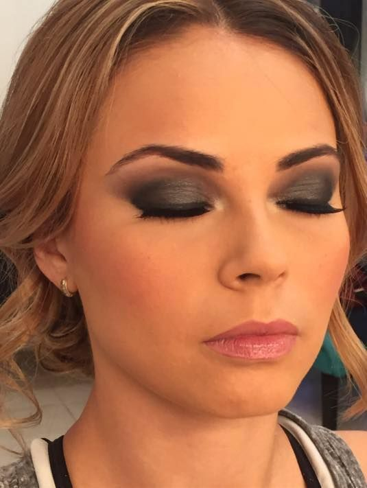 Nuria Martinez Make Up Artist