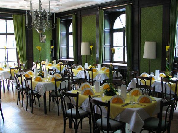 Beispiel: Gestaltung Ihrer Hochzeit, Foto: Blumen Kamm.