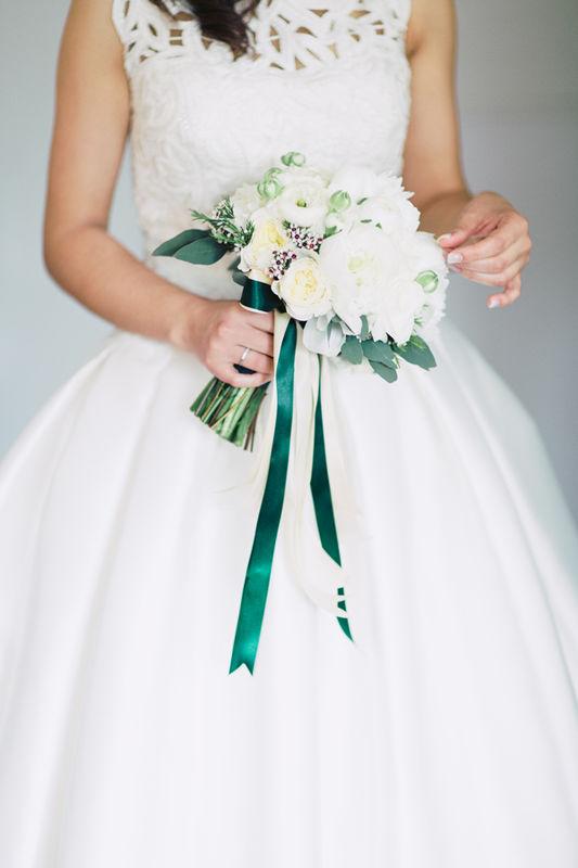 Bouquet de Noiva tons de branco, marfim e verde natural