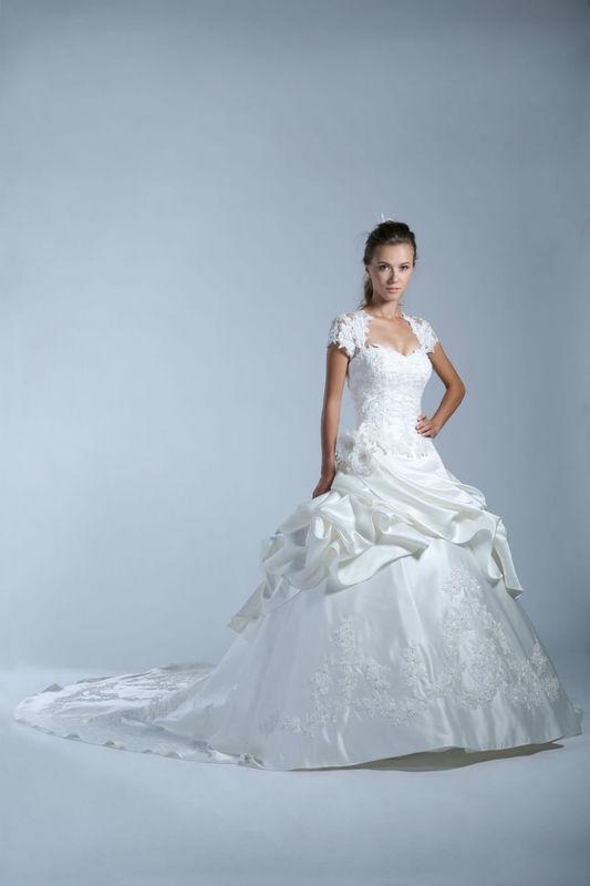 White Dress Modèle Bahia  www.whitedress.lu