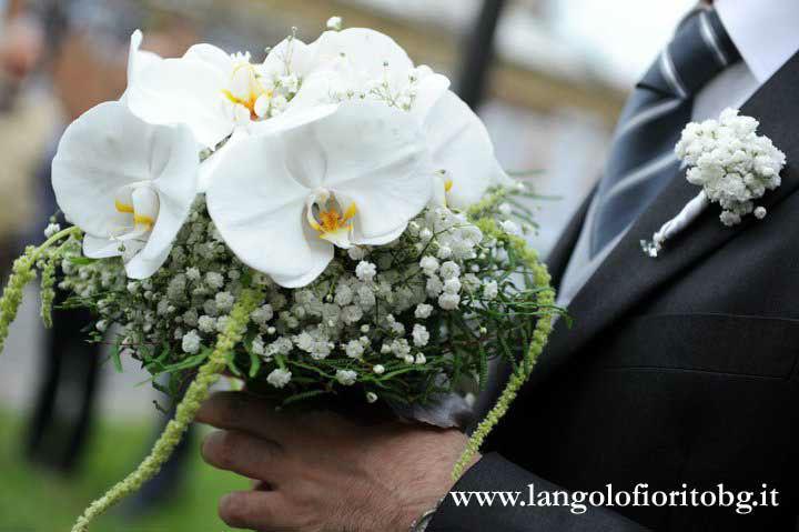 L'Angolo Fiorito, Curno (Bg): bouquet con orchidee #Fiorista #matrimonio #Bergamo