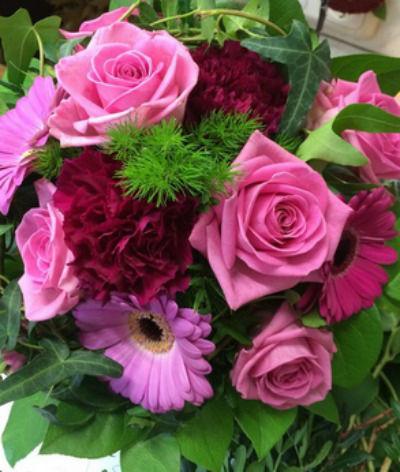 Beispiel: Blumenstrauss, Foto: Florales Schmuckkasterl.