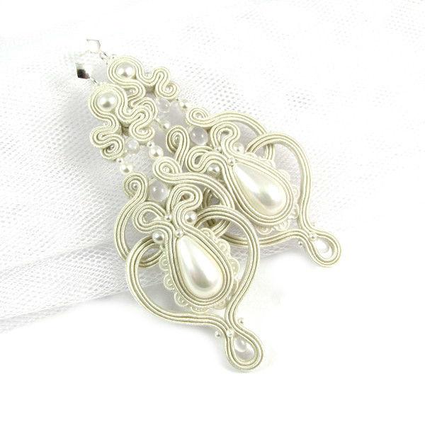 Małgorzata Sowa - PiLLow Design, Biżuteria ślubna sutasz. Ażurowe kolczyki, wykonane z pereł Swarovski oraz pereł Seashell, kolor IVORY