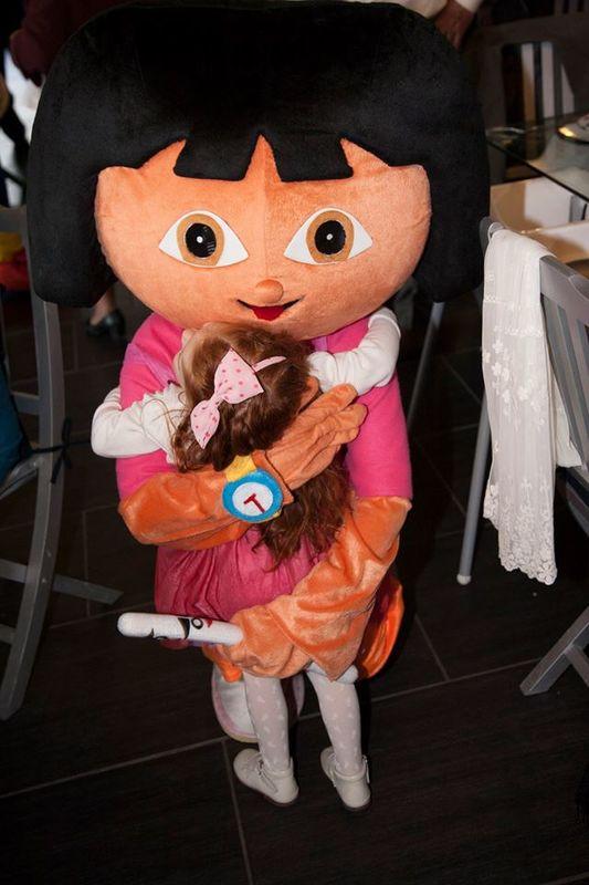 Didi Animações mascote Dora Exploradora