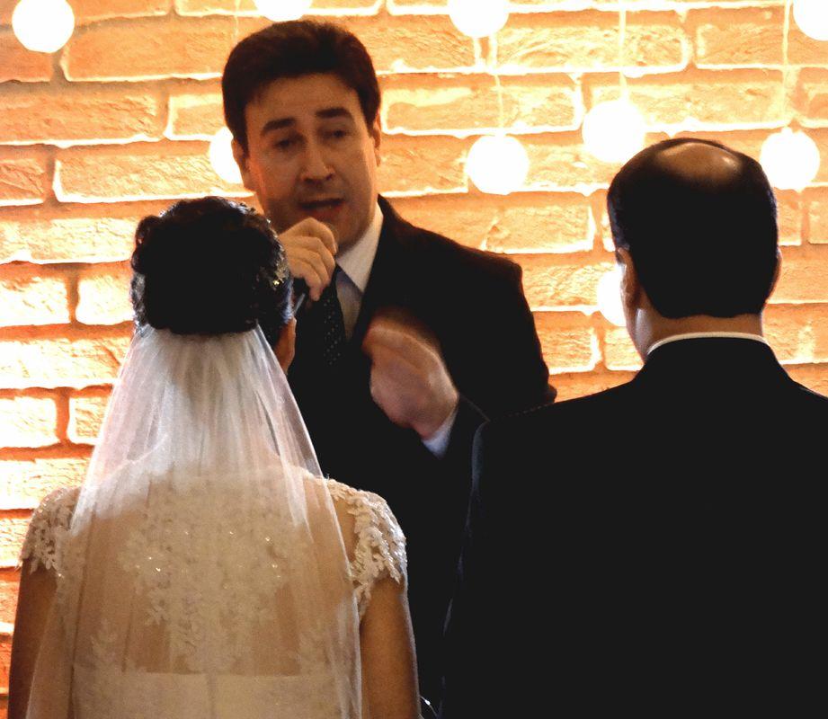 Case com efeito civil. Praticidade e economia para os noivos.