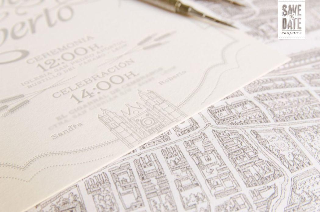 Detalle catedrál de León - Invitación vintage impresa en letterpress (impresión con relieve), sobre un papel de 450 gr. Incluye el logo de los novios (compás = Arquitectura + Espiga= Agrónomos) y los lugares favoritos de sus viajes.
