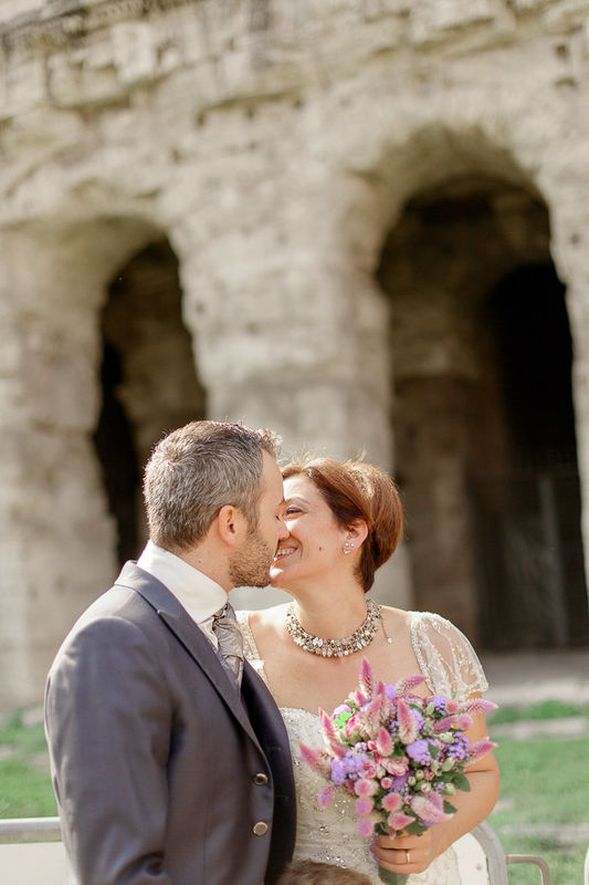 italian engament rome  couple angela.photo angela matrimonio fidanzamento trashthedress nozze italia sposi roma foto coppia colosseo