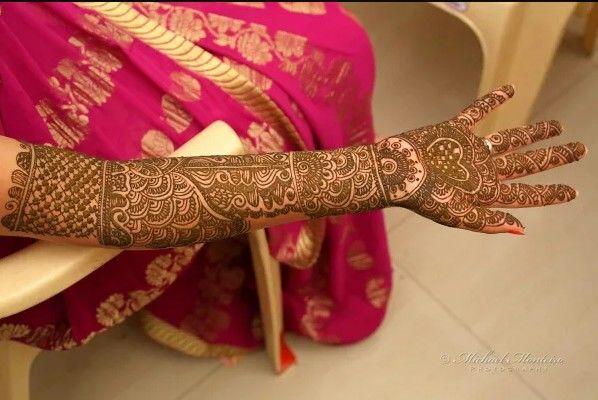 Best Mehendi Designs and Artists