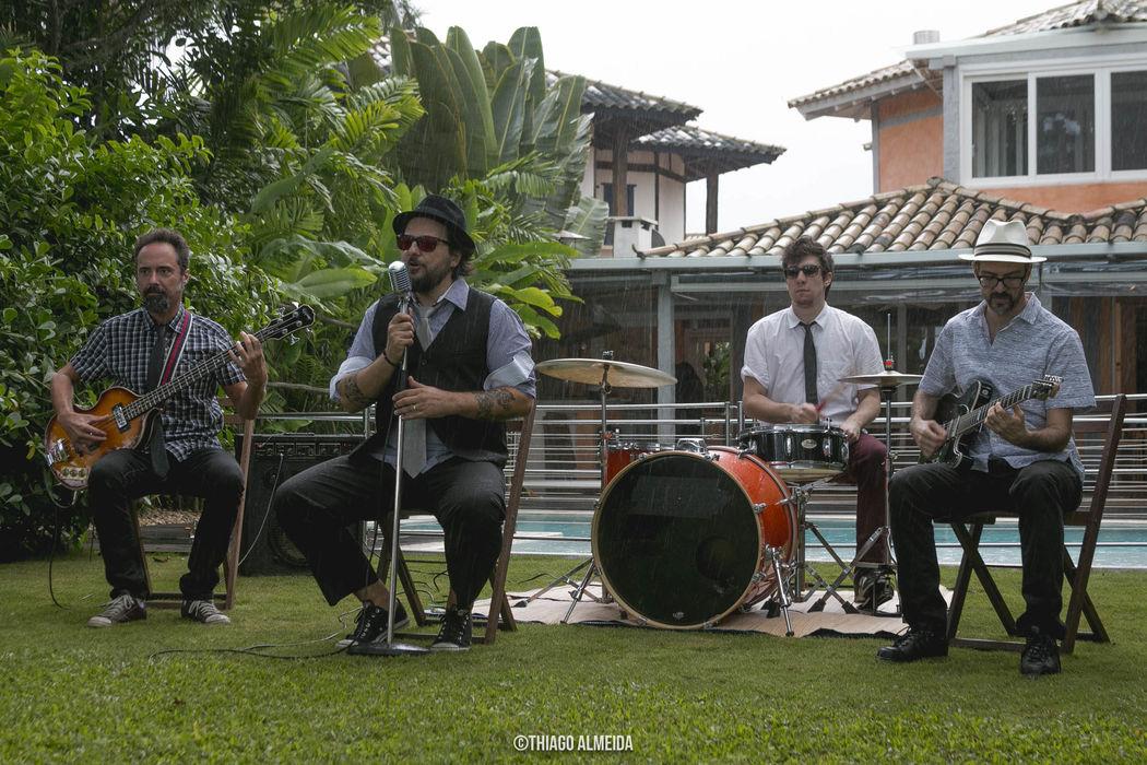 Banda ROXY
