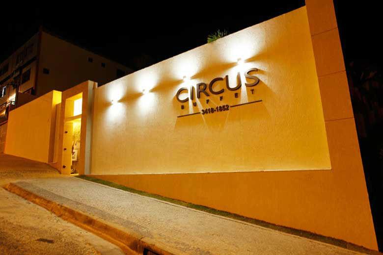 Circus Buffet