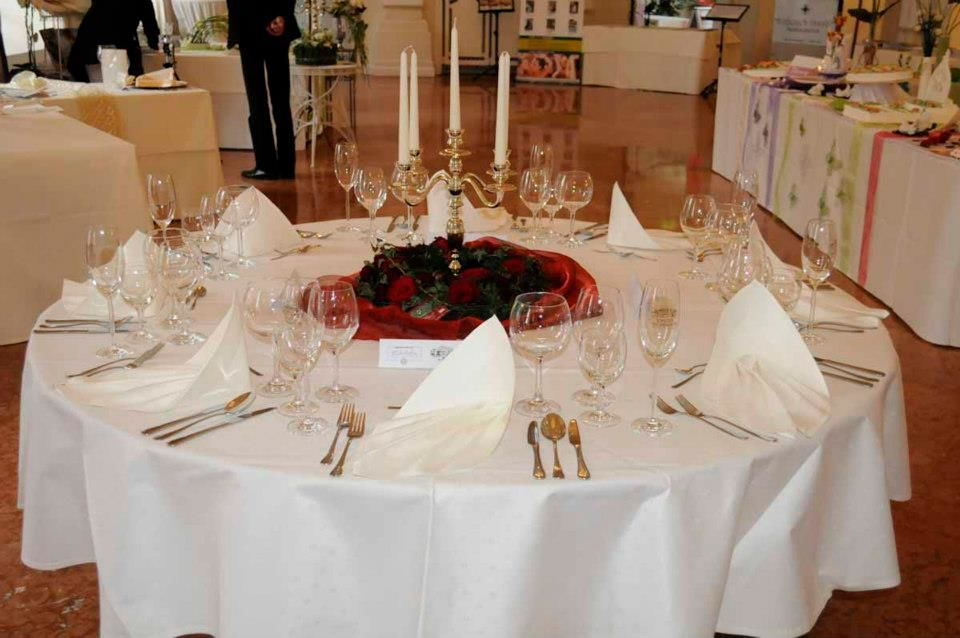 Beispiel: Tischdekoration, Foto: Kloster Machern Bernkastel- Wehlen.