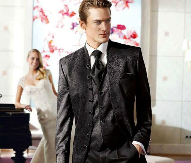 Beispiel: Elegante Hochzeitsmode, Foto: Wilvorst.