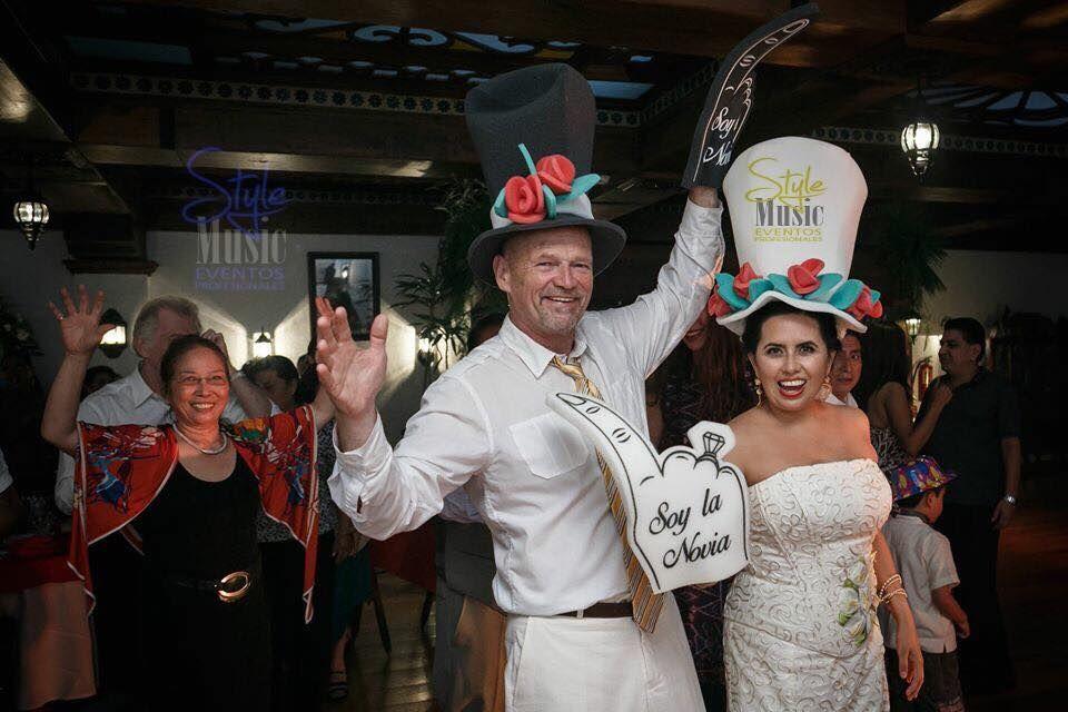 MEXICO (NOVIA) Y EUA (NOVIO) UNIDOS EN UN FELIZ MATRIMONIO