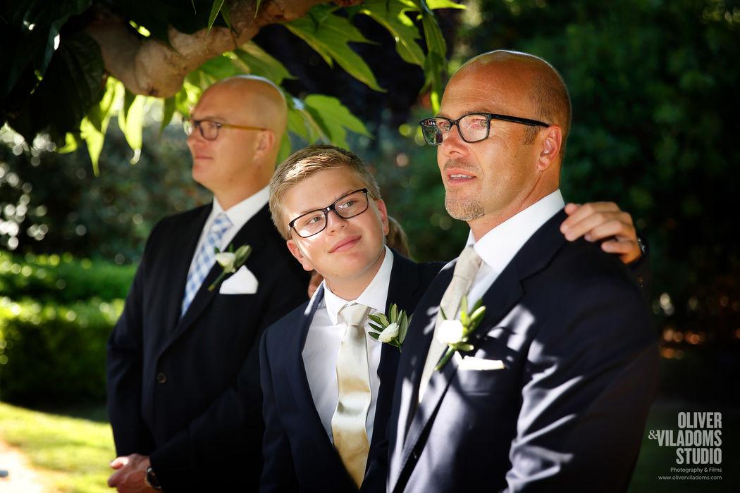 miradas en un momento muy especial, la entrada de la novia