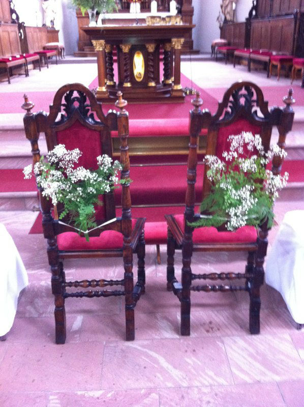 Beispiel: Kirchenschmuck, Foto: Blumen-Boutique-Wingen.