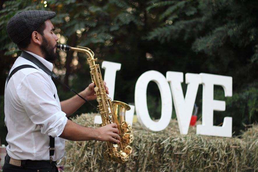 Josue Castillo Saxofonista