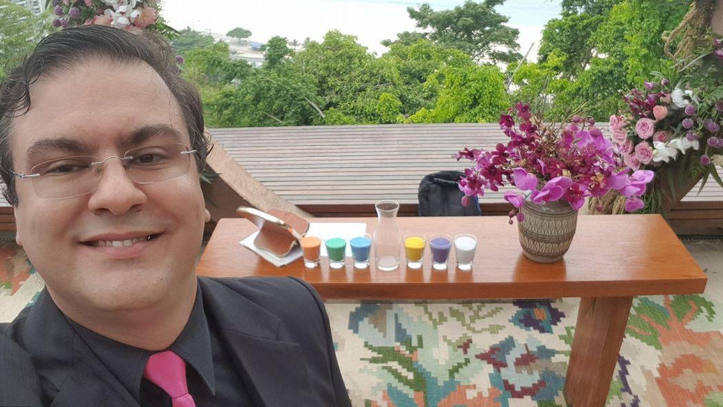 Celebrante Ricardo Guerra